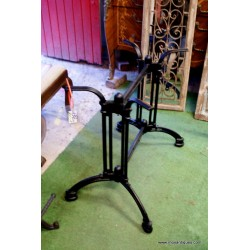 Cast Iron Table Base 4